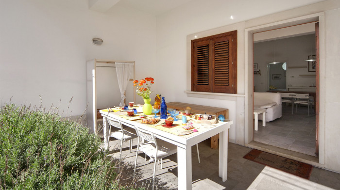 La Mancina Bianco , 100 meters from the beach