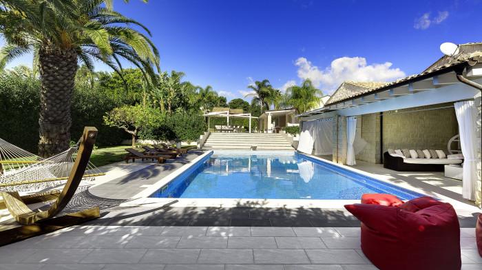 Villa Pietrabianca with private swimming pool